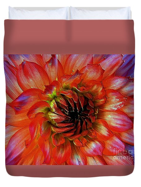 Duvet Cover featuring the photograph Fickle by Elfriede Fulda