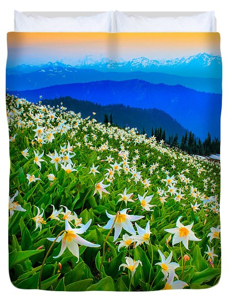Field Of Avalanche Lilies Duvet Cover