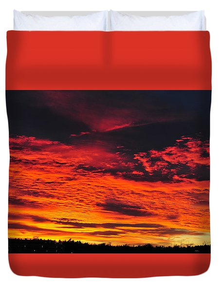 Fiery Close Of Day Duvet Cover