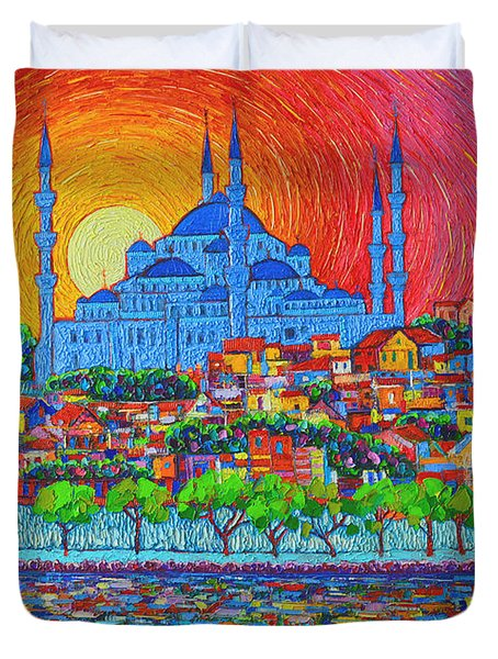 Fiery Sunset Over Blue Mosque Hagia Sophia In Istanbul Turkey Duvet Cover