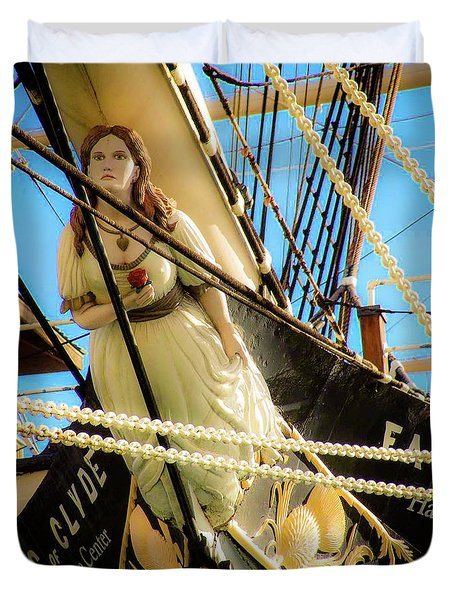 Duvet Cover featuring the photograph Figurehead - Falls Of Clyde by D Davila