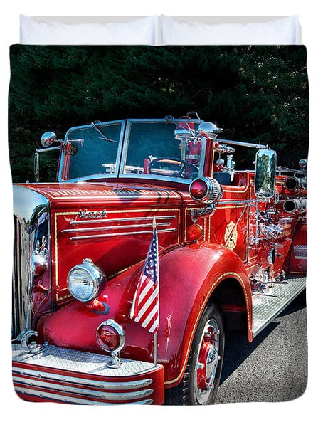 Fireman - 1949 And It Still Runs  Duvet Cover by Mike Savad
