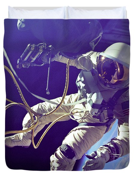 First American Walking In Space, Edward Duvet Cover