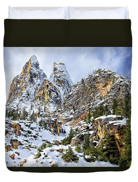 Duvet Cover featuring the photograph First Snow On Liberty Bell Horizontal by Mary Jo Allen