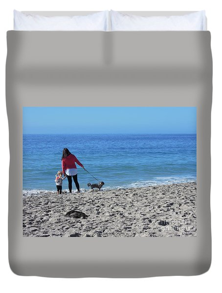 Duvet Cover featuring the photograph First Visit To The Ocean by Vinnie Oakes