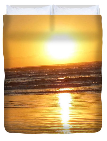 Fisherman At Sunrise Duvet Cover