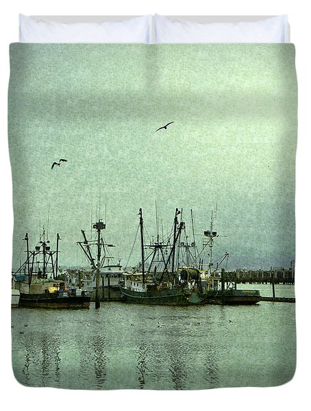 Fishing Boats Columbia River Duvet Cover by Susan Parish