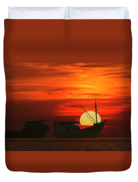 Duvet Cover featuring the photograph Fishing Boats In Sea by Pradeep Raja Prints