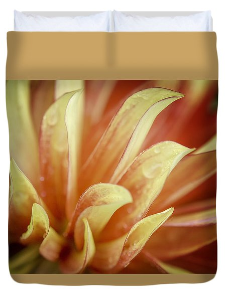 Flaming Dahlia Duvet Cover
