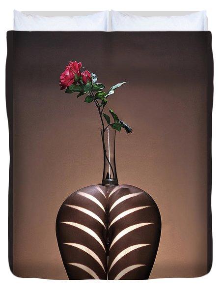 Fleur Sur Le Vasse Duvet Cover