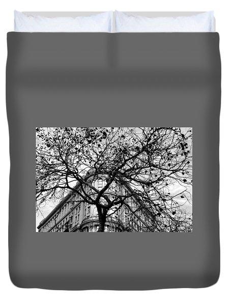 Flood Building - San Francisco - Corner Tree View Black And White Duvet Cover
