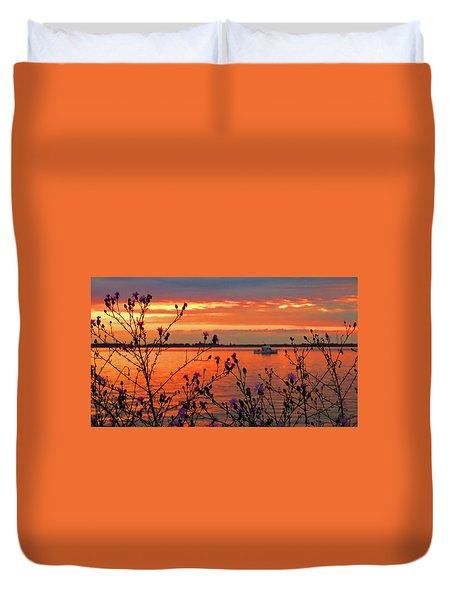 Flowers Along The Shore At Tibbetts Point  Duvet Cover