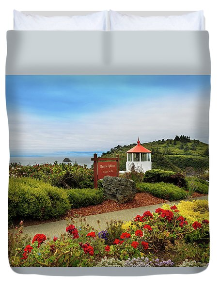 Duvet Cover featuring the photograph Flowers At The Trinidad Lighthouse by James Eddy