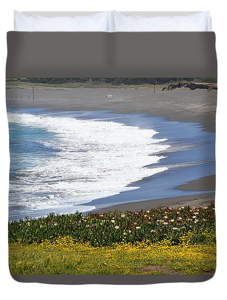 Flowers By The Sea Duvet Cover