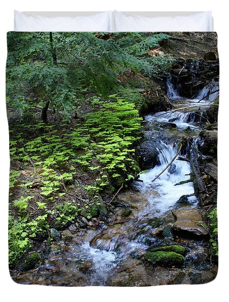 Duvet Cover featuring the photograph Flowing Creek by Ben Upham III