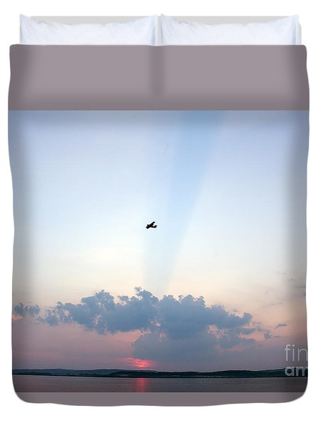 Duvet Cover featuring the photograph Flying In Sunset by Odon Czintos