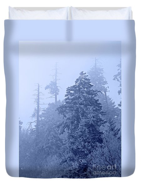 Duvet Cover featuring the photograph Fog On The Mountain by John Stephens