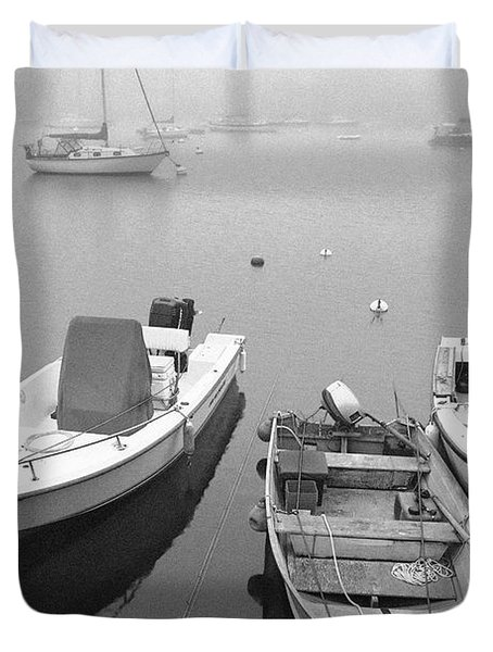 Foggy Morning In Cape Cod Black And White Duvet Cover by Matt Suess