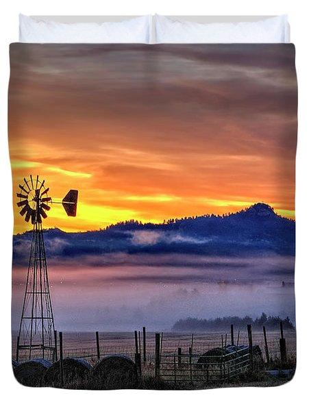 Foggy Spearfish Sunrise Duvet Cover