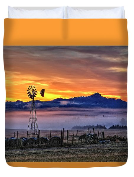 Foggy Spearfish Sunrise Duvet Cover