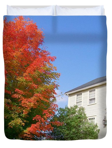 Duvet Cover featuring the digital art Foliage Peak by Barbara S Nickerson