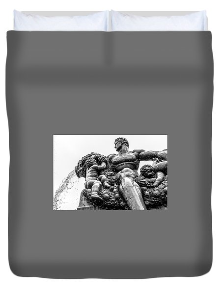 Duvet Cover featuring the photograph Fontana Di Piazza Solferino-1 by Sonny Marcyan