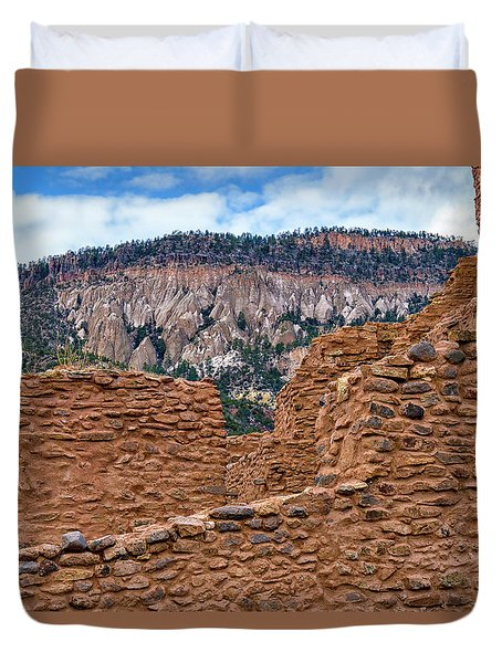 Duvet Cover featuring the photograph Forbidding Cliffs by Alan Toepfer