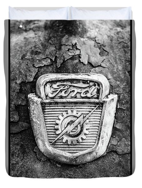 Ford Emblem On A Rusted Hood Verticle Duvet Cover