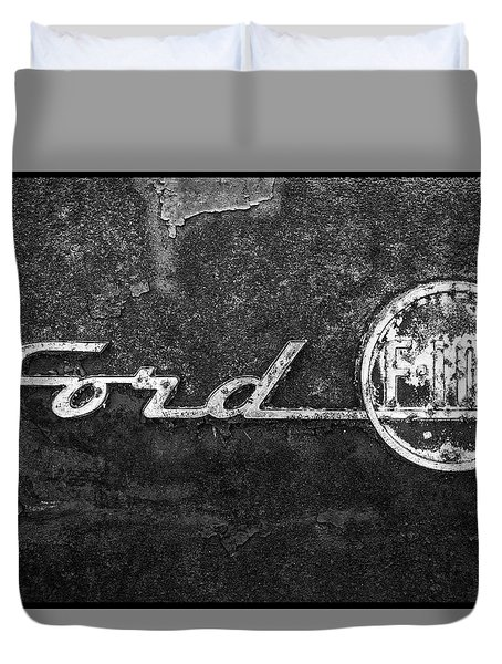 Ford F-100 Emblem On A Rusted Hood Duvet Cover
