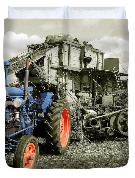 Fordson And The Threshing Machine Duvet Cover by Rob Hawkins