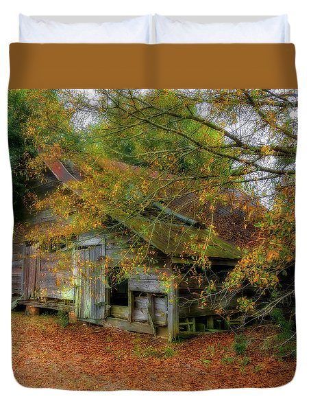 Forgotten Barn Duvet Cover