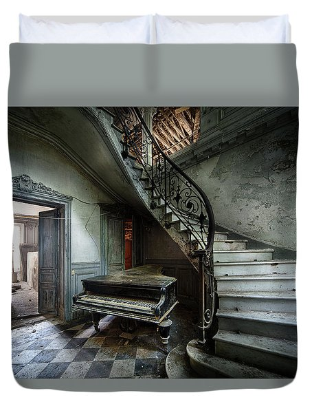 The Sound Of Decay - Abandoned Piano Duvet Cover