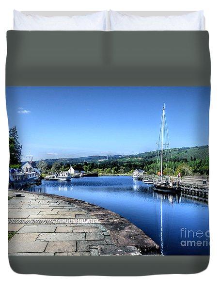 Duvet Cover featuring the photograph Fort Augustus Scotland by Lynn Bolt