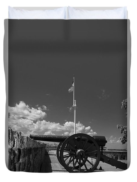 Fort Pulaski Cannon And Flag In Black And White Duvet Cover