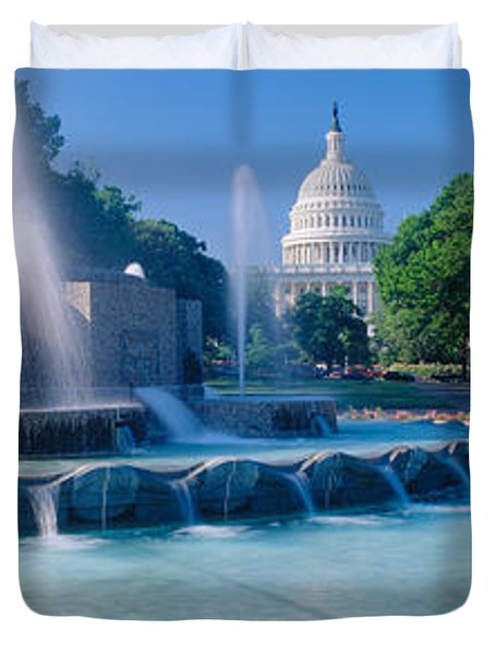 Fountain And Us Capitol Building Duvet Cover by Panoramic Images