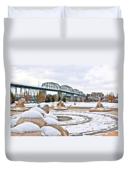 Fountain In Winter Duvet Cover