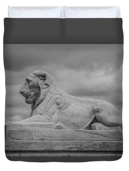 Fountain Lion  Duvet Cover
