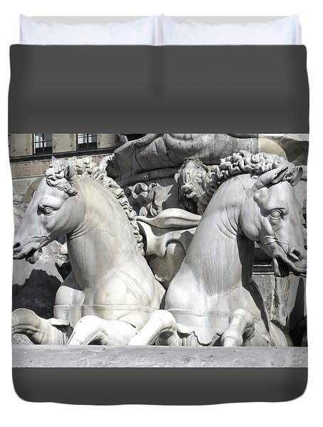 Fountain Of Neptune Florence Duvet Cover by Lisa Boyd