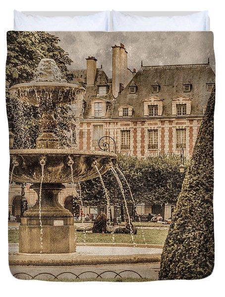 Paris, France - Fountain, Place Des Vosges Duvet Cover