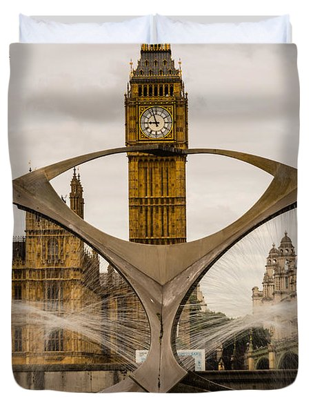 Fountain With Big Ben Duvet Cover