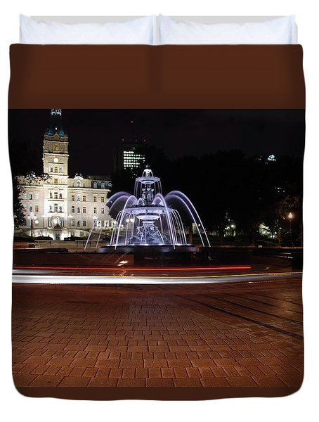 Fountaine De Tourny And Quebec Parliament Duvet Cover