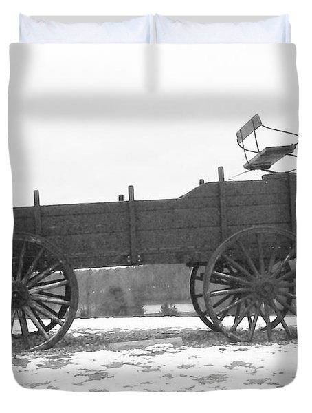 Duvet Cover featuring the digital art Four Wheel Drive by Barbara S Nickerson