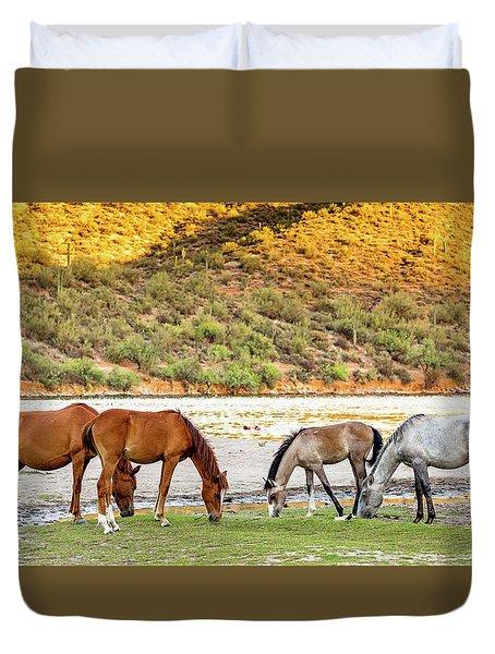 Four Wild Horses Grazing Along Arizona River Duvet Cover