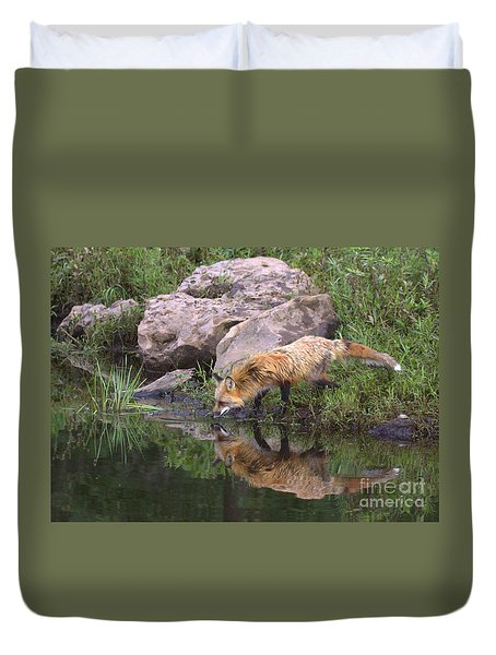 Duvet Cover featuring the photograph Foxy Reflection by Myrna Bradshaw