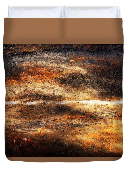 Duvet Cover featuring the photograph Fractured by Ryan Manuel