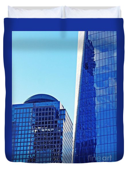 Duvet Cover featuring the photograph Freedom Tower And 2 World Financial Center by Sarah Loft