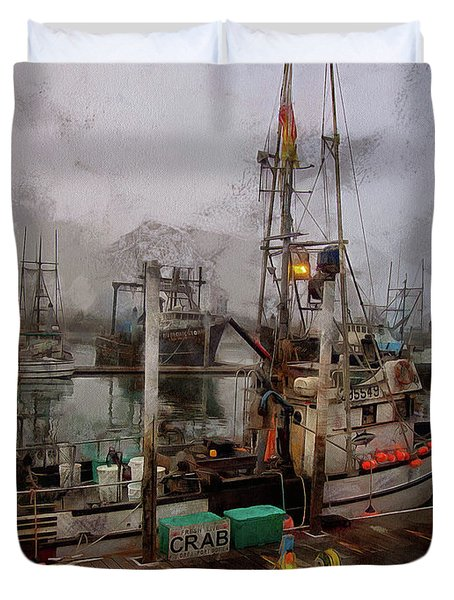 Duvet Cover featuring the photograph Fresh Live Crab by Thom Zehrfeld