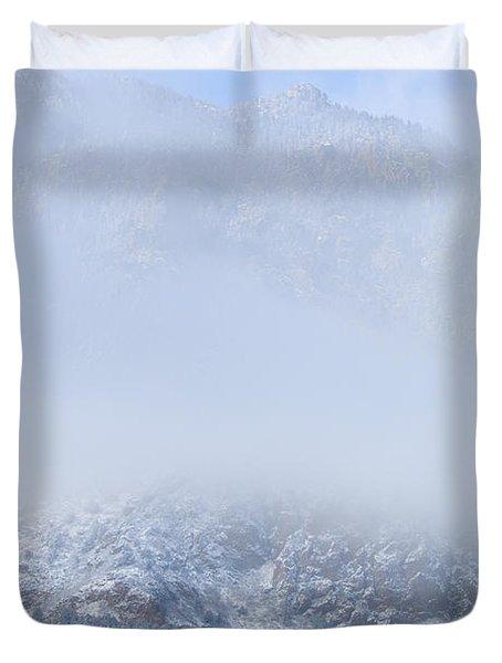 Fresh Snow In Cheyenne Mountain State Park Duvet Cover