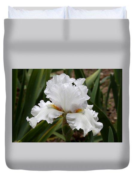 Frilly White Iris Flower Duvet Cover