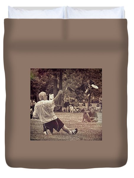 Duvet Cover featuring the photograph Frisbee Catcher by Lewis Mann